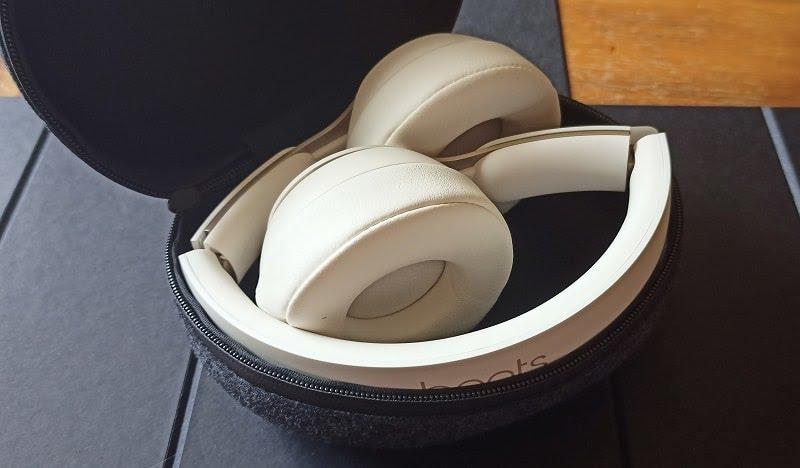 Unboxing du casque Beats Solo Pro