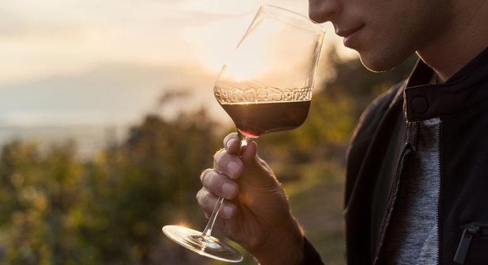 Noël 2020 : 10 idées cadeaux pour un homme passionné de vin