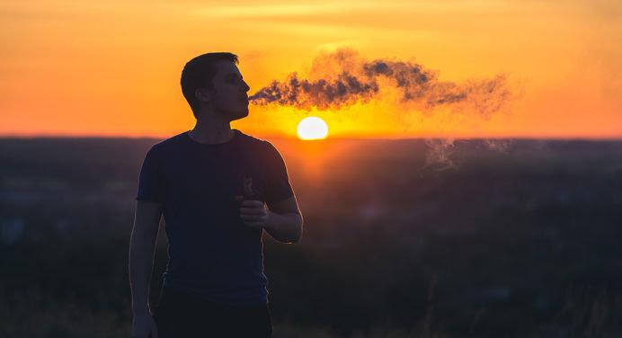 Comment bien choisir sa cigarette électronique et son e-liquide grâce à Ecigplanete ?