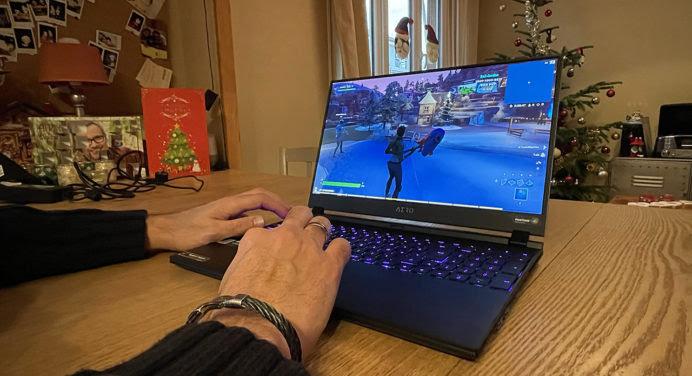 [TEST & AVIS] Gigabyte Aero 15 OLED : le meilleur laptop de gaming ?