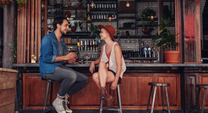 Décoration d'intérieur : comment aménager un bar dans son salon ?