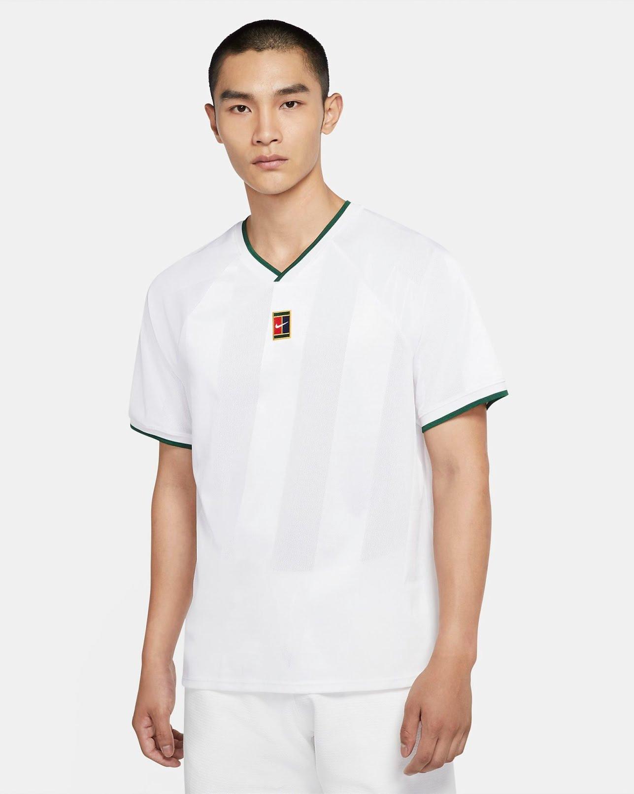 Soldes Nike - haut de tennis