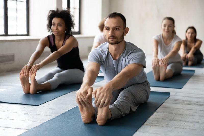 Postures de yoga - pince
