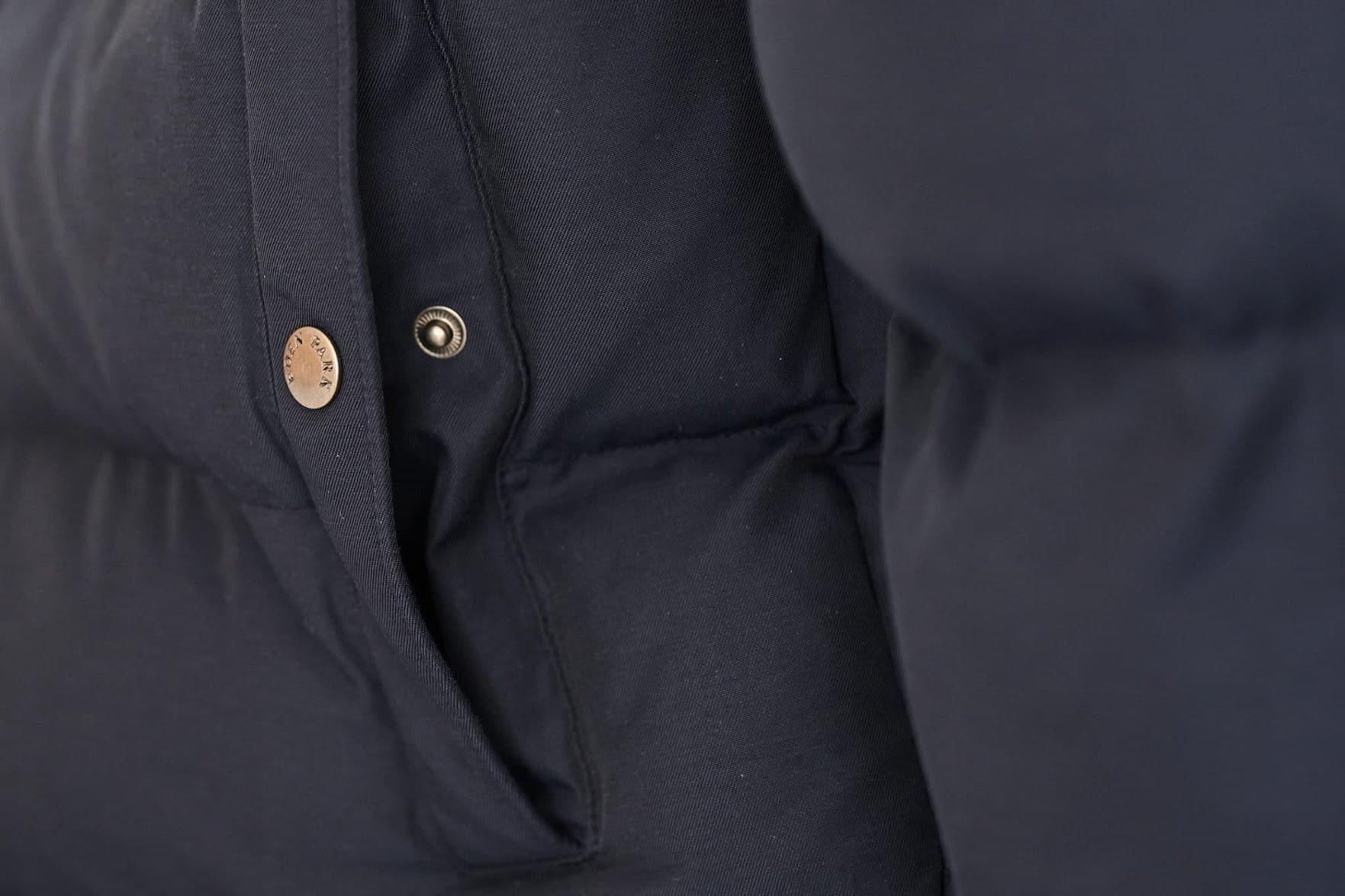 doudoune Eden Park bleu marine unie déperlante en détails
