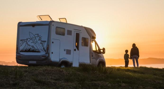 Comment se préparer pour un week-end en camping-car avec son conjoint