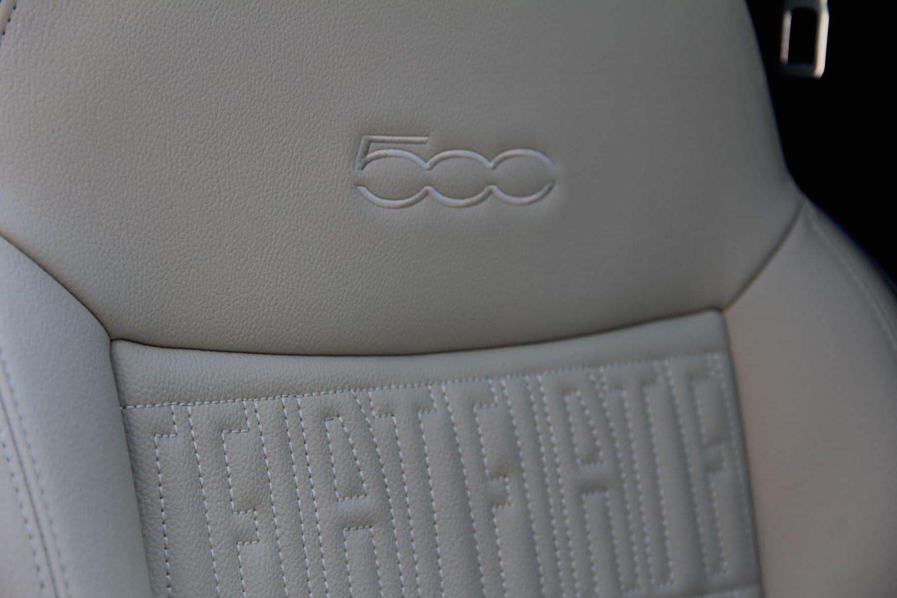 Siège de la Fiat 500E
