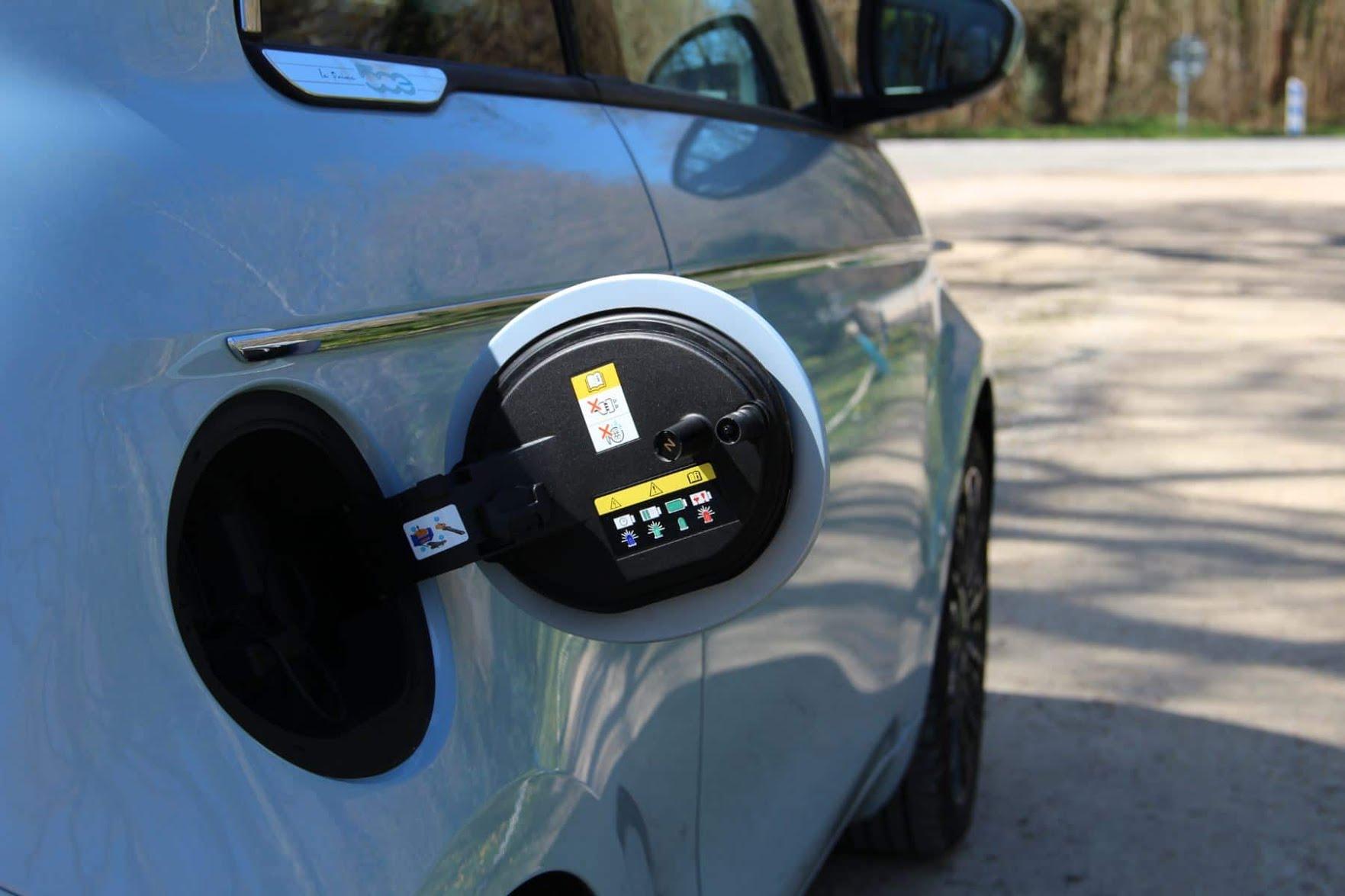 Prise électrique de la Fiat 500E