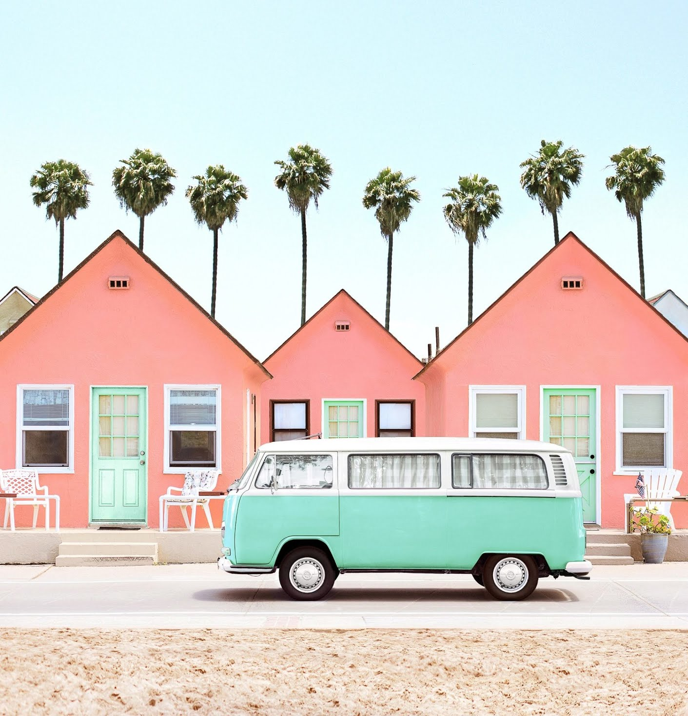 Accidentally Wes Anderson - Roberts Cottages, Oceanside (Californie)
