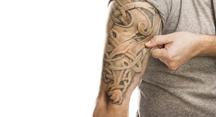 Une crème pourrait bientôt permettre d'enlever un tatouage