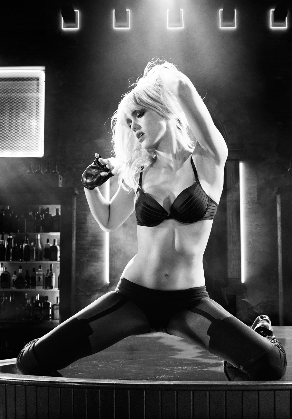 Jessica Alba dans Sin City 2