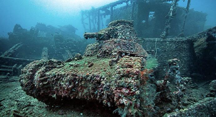 10 photos troublantes de tanks abandonnés