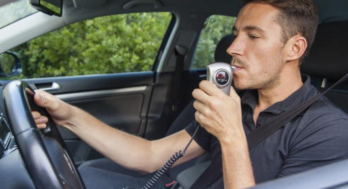 Souffler dans sa clé de voiture pour savoir si on a trop bu