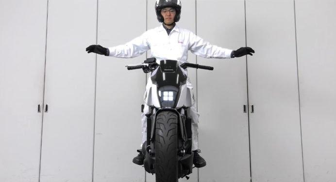 Honda Riding Assist : la moto qui tient debout toute seule