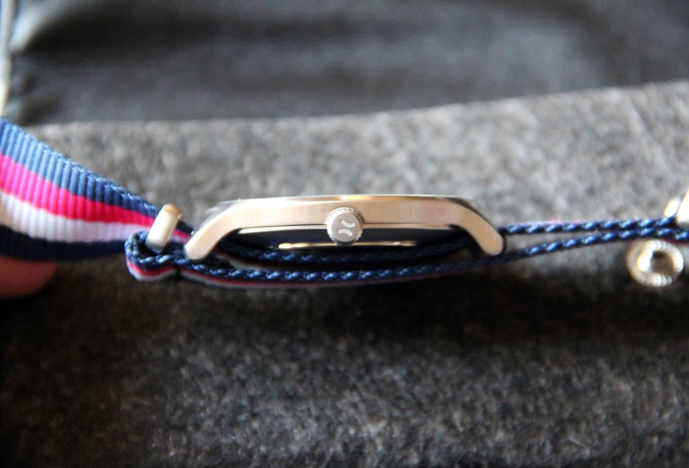 Montre Aight avec bracelet NATO tricolore