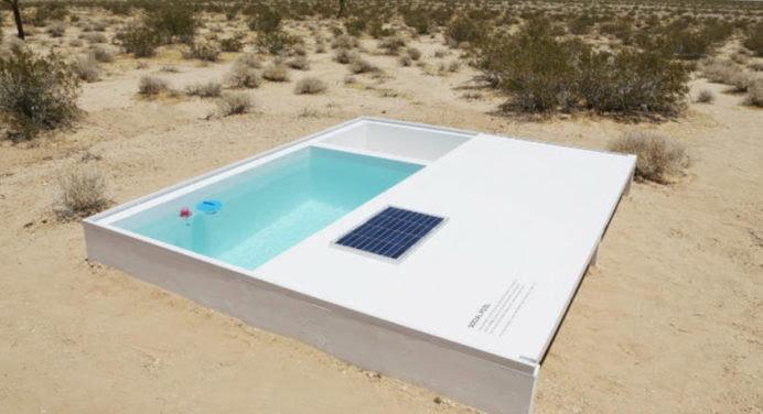 Social Pool : une piscine secrète au coeur du désert