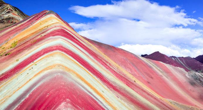 Au Pérou, la montagne arc-en-ciel nous en met plein les yeux