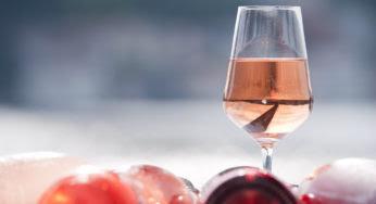 Comment déguster du vin rosé en hiver ?