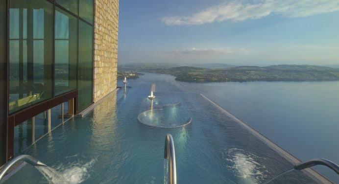 Bürgenstock Resort : l'un des plus beaux hôtels de Suisse