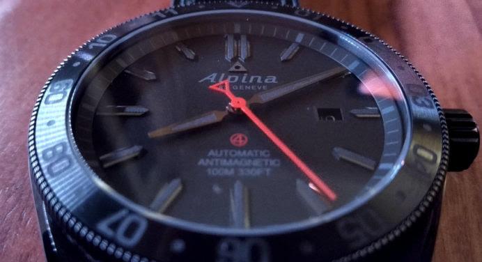 [TEST & AVIS] Alpiner 4 Shadow Line : la montre Alpina passe du côté obscur
