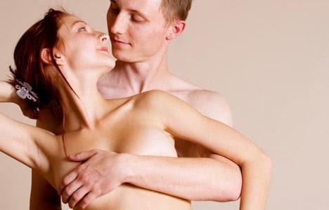 Seins ou fesses : que préfèrent les hommes ?