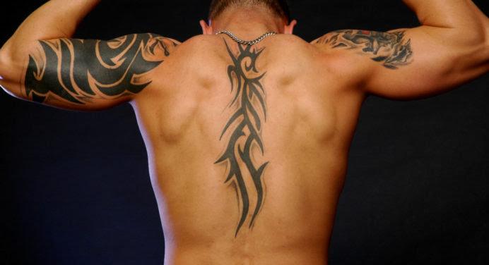 Tout savoir sur le tatouage polynésien