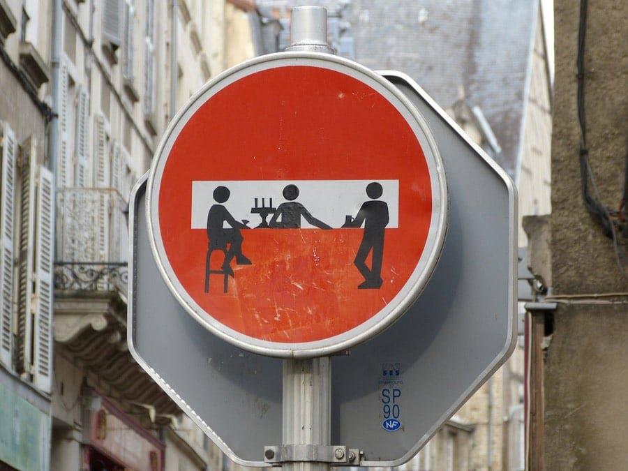 Street Art - Sens Interdit