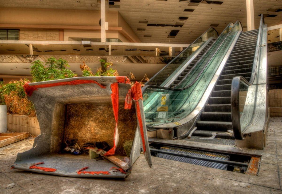 Urbex Johnny Joo - escalator