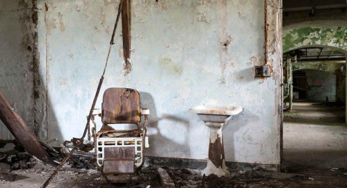 Des photos effrayantes et envoûtantes d'hôpitaux abandonnés
